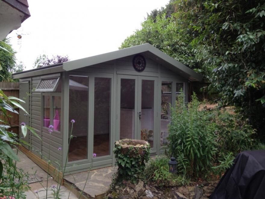 Merlin Garden room