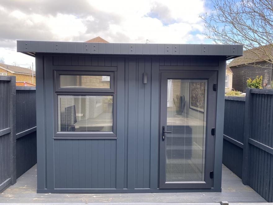 small garden office in Kent