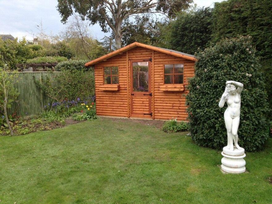 Skylark Log Cabin
