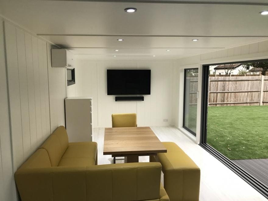 multipurpose poolside summer house in Surrey
