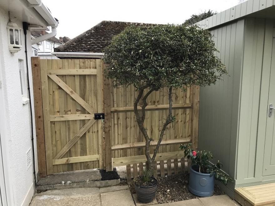 Fencing Horsham West Sussex