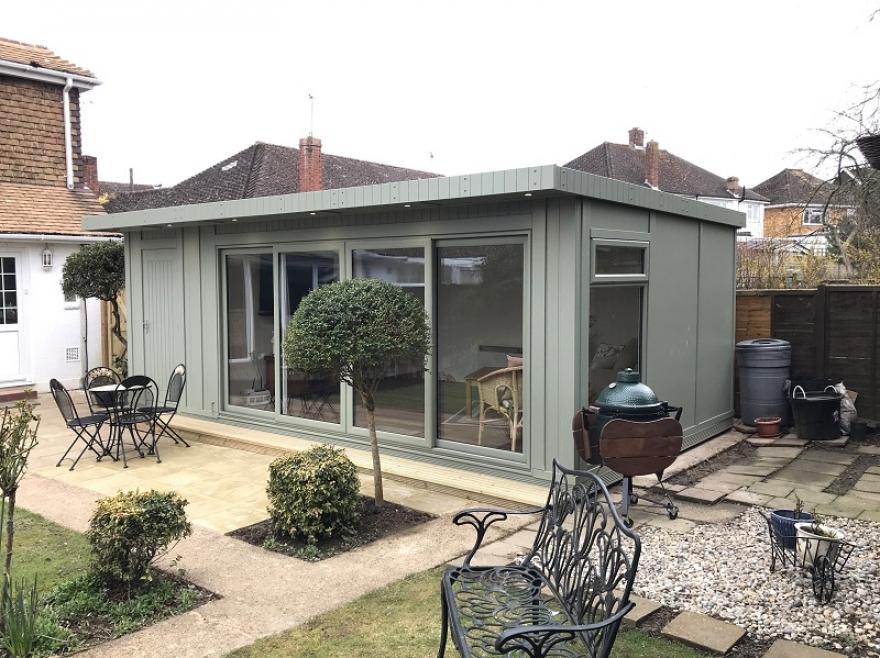 Summerhouse under the 2.5m planning rule Horsham West Sussex