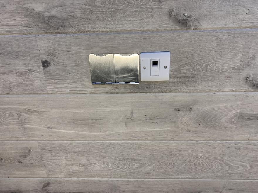 flush, in-floor sockets