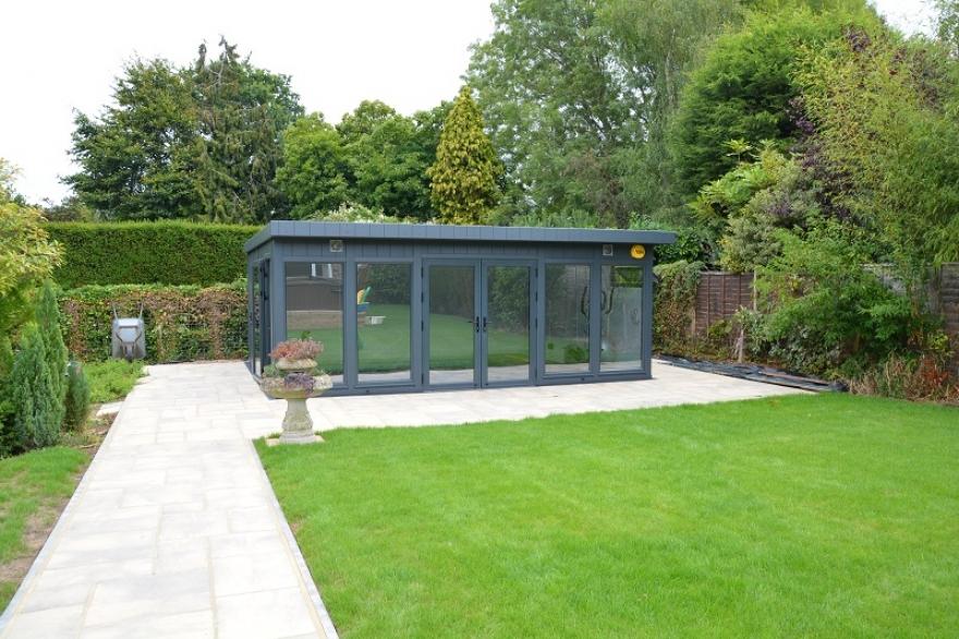 Summer house Horsham West Sussex