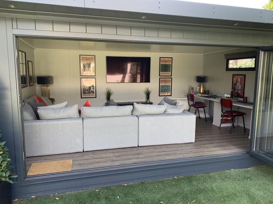Bi-fold summerhouse with large lounge  and TV london