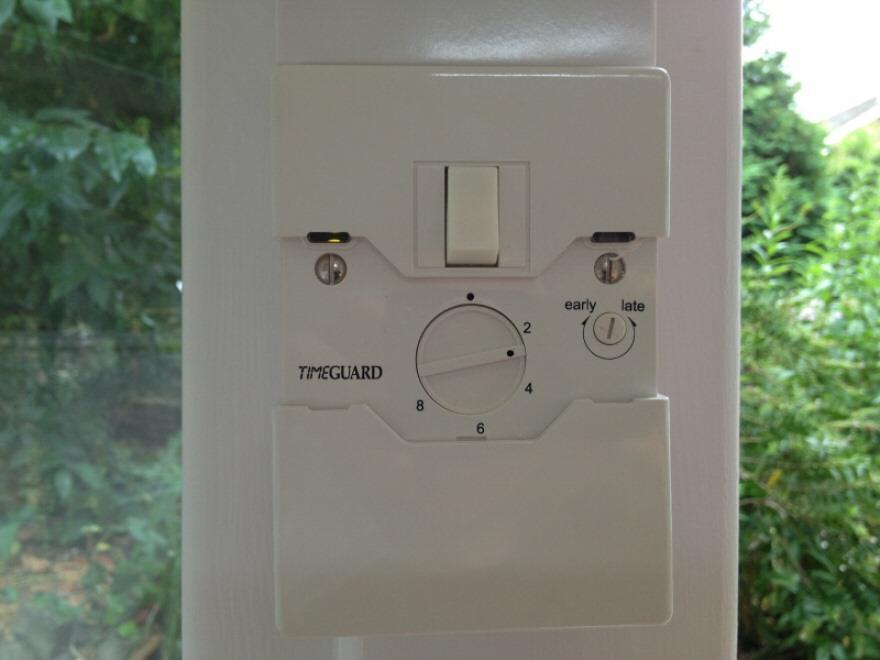 Dusk sensor - external LED lights switch on automatically