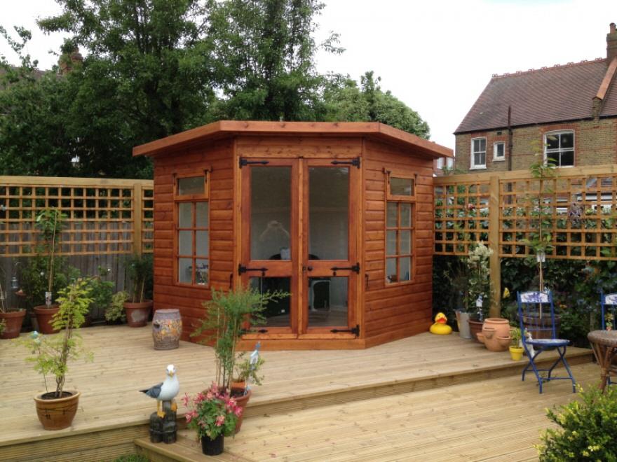 Kingfisher corner summerhouse
