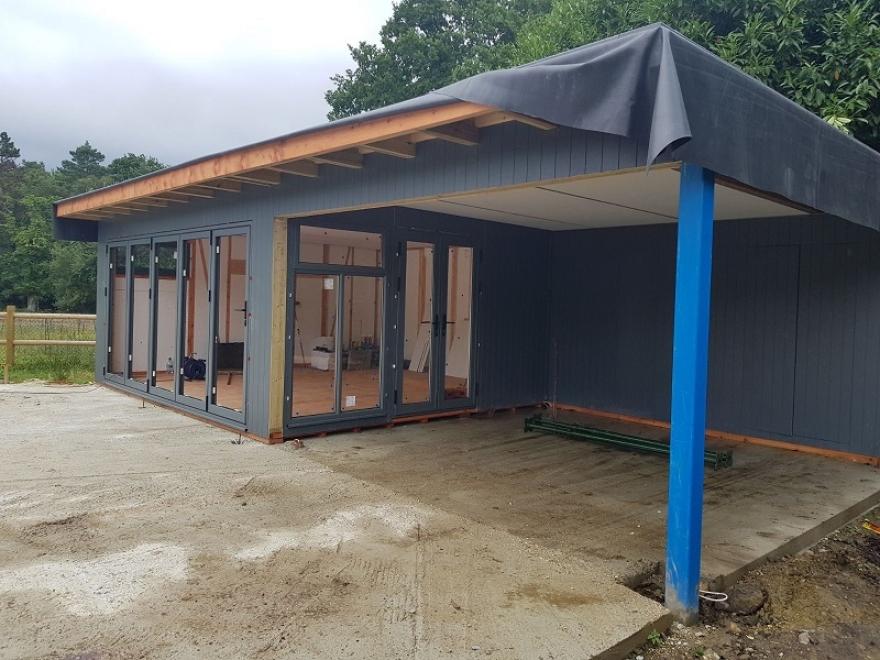 summerhouse being built