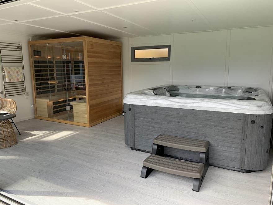 Home Sauna & Spa Garden Room