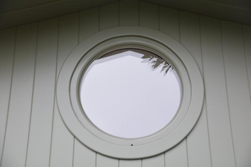 round window design feature