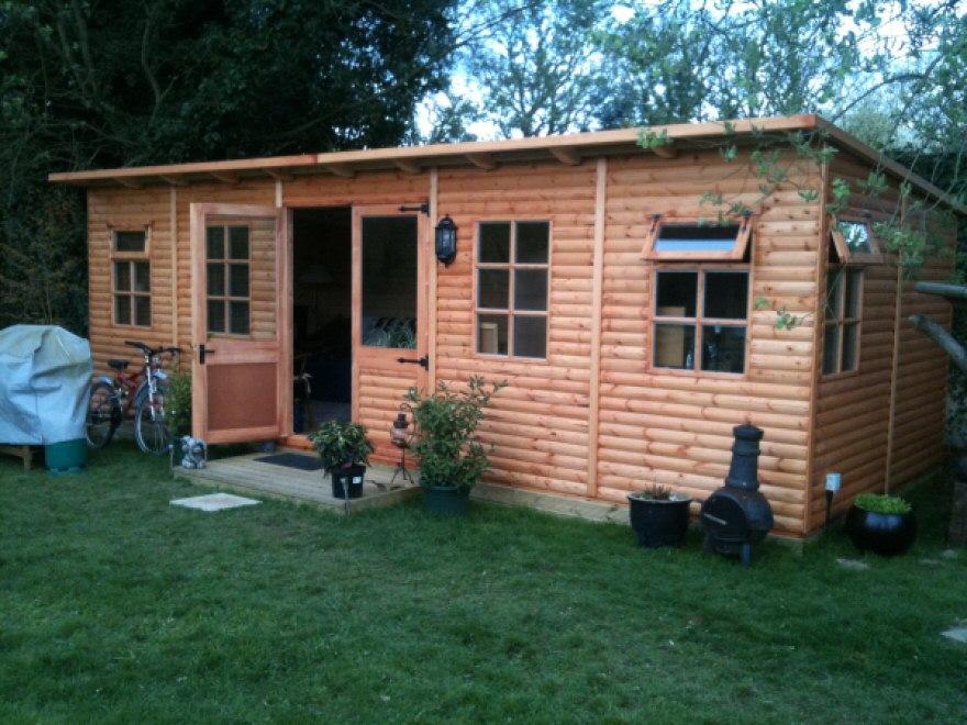 Wide Pent kestrel garden room